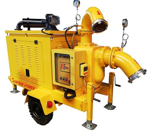 自吸移动抽水泵车